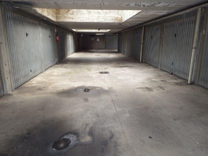garage-Box-posto auto  in Vendita a Vimodrone