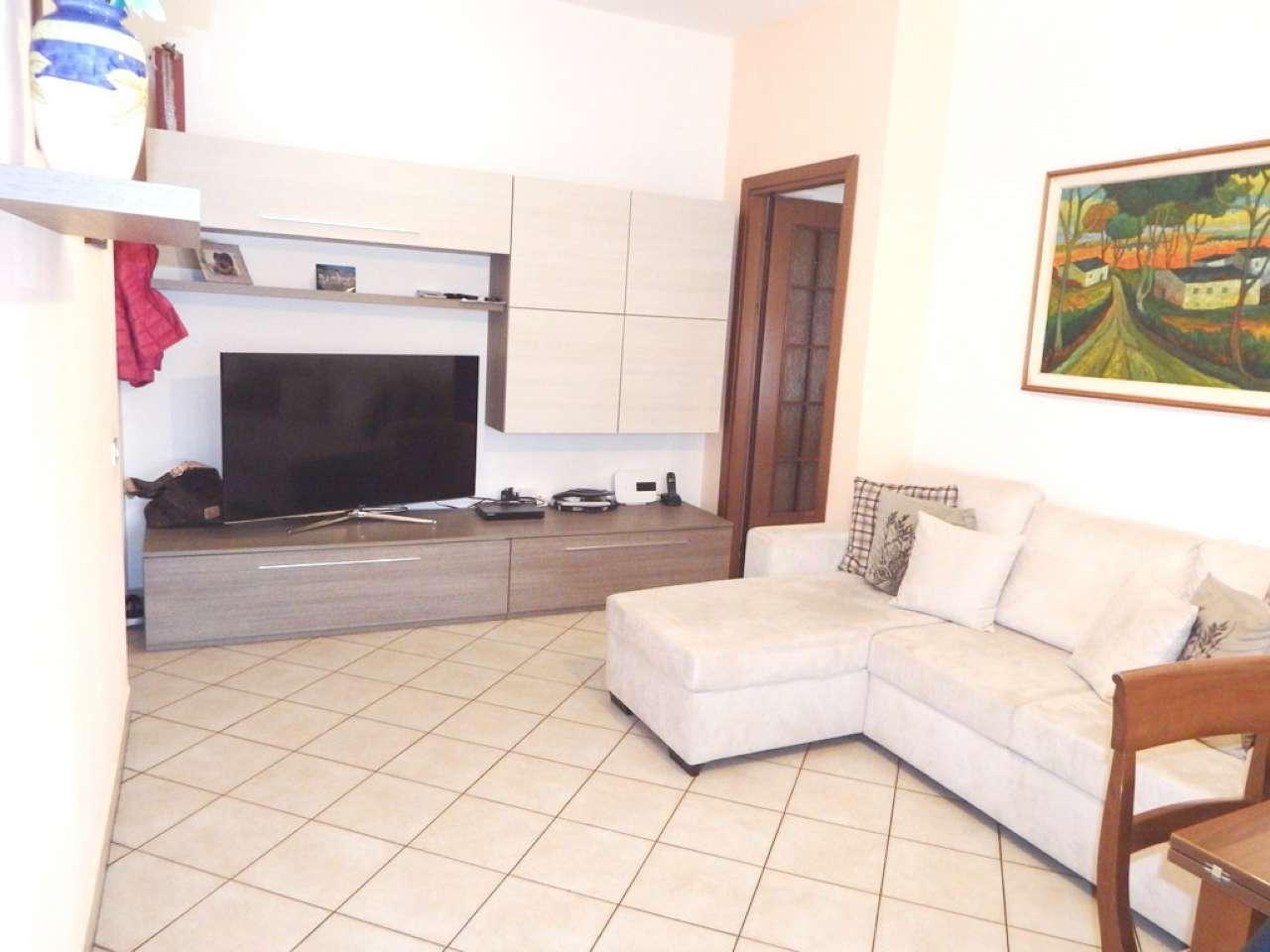 Appartamento in vendita a Segrate, 3 locali, prezzo € 170.000 | Cambio Casa.it