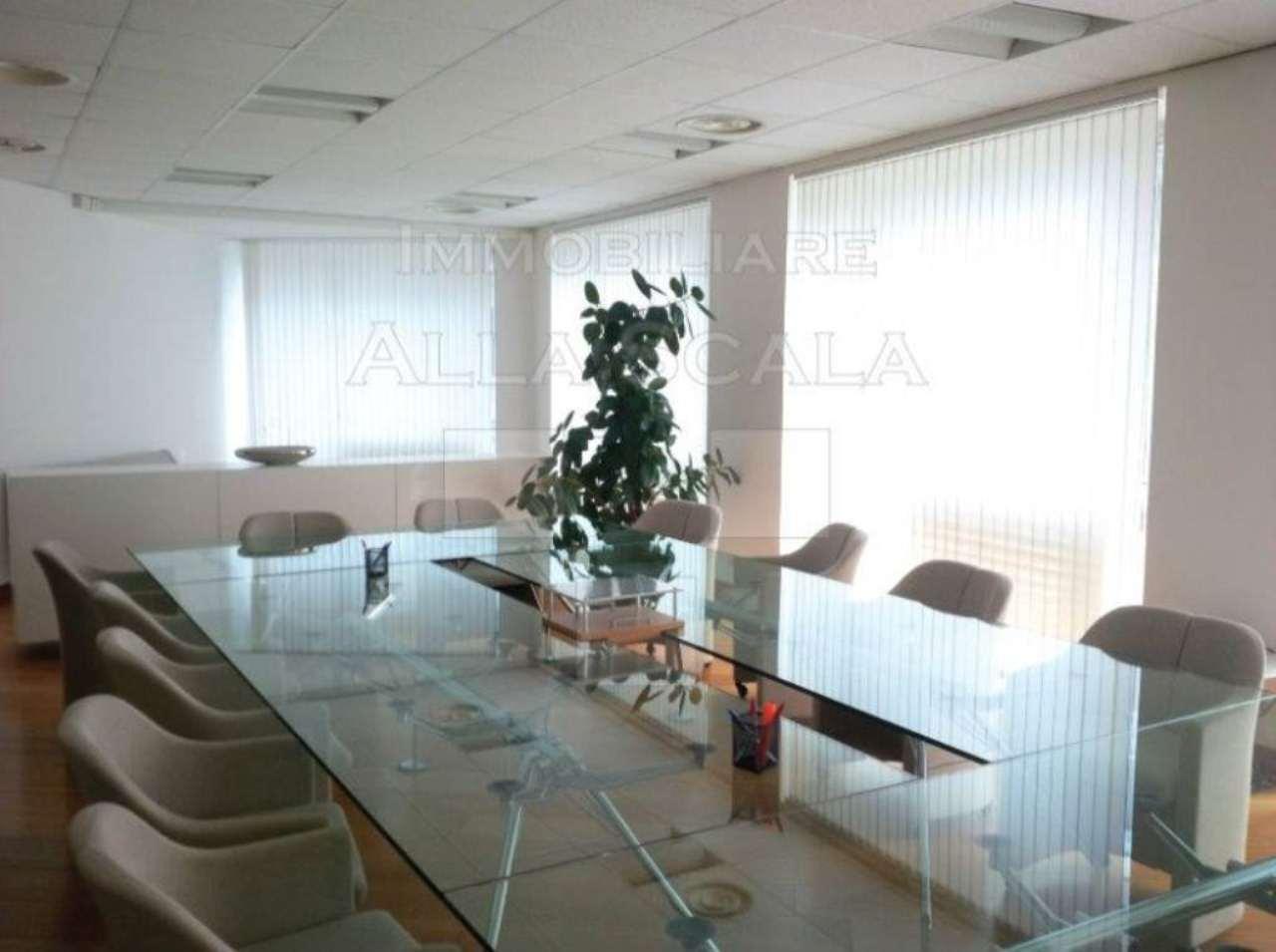 Ufficio-studio in Affitto a Milano 01 Centro storico (Cerchia dei Navigli): 5 locali, 360 mq