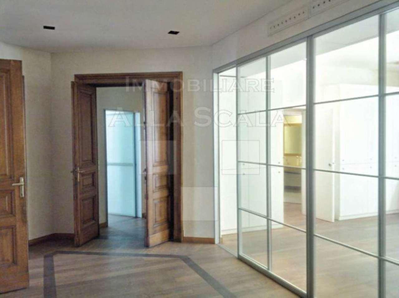 Ufficio-studio in Affitto a Milano 01 Centro storico (Cerchia dei Navigli): 5 locali, 240 mq
