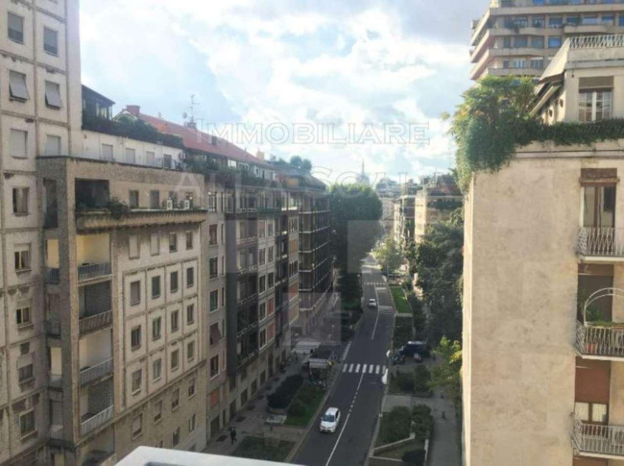 Appartamenti cinque o pi locali in affitto a milano for Appartamenti arredati in affitto milano