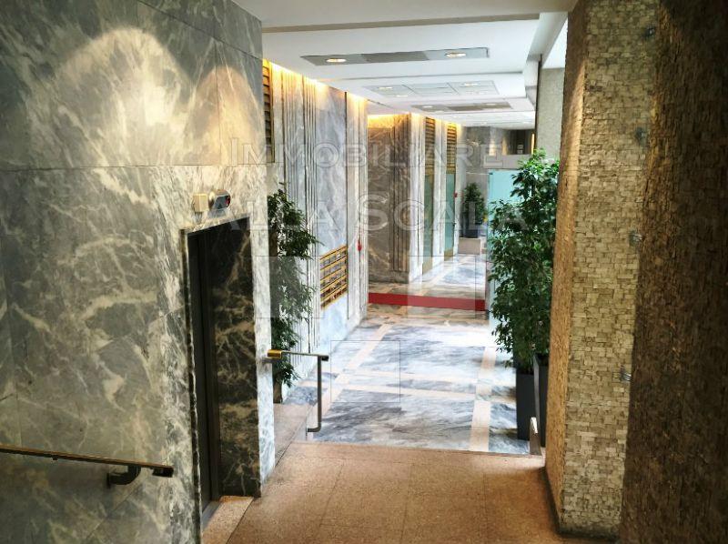 Appartamento in Affitto a Milano 01 Centro storico (Cerchia dei Navigli): 3 locali, 75 mq