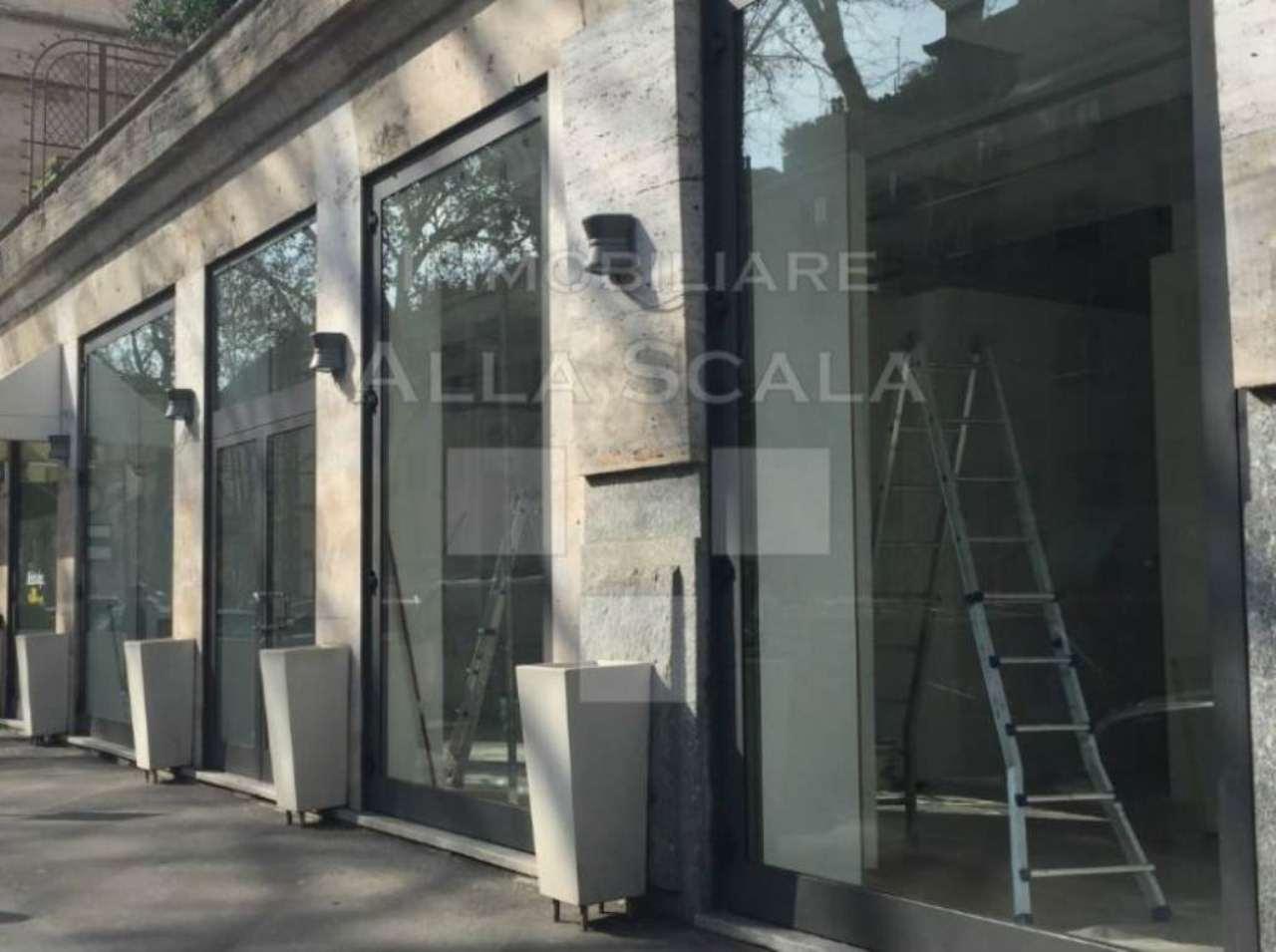 Negozio-locale in Affitto a Milano 01 Centro storico (Cerchia dei Navigli):  2 locali, 195 mq  - Foto 1