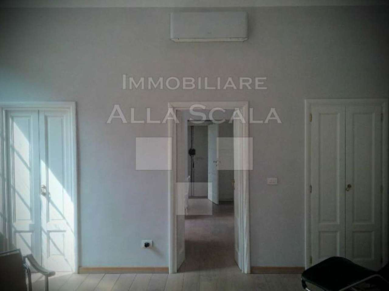 Bilocale Milano Via San Marco 6