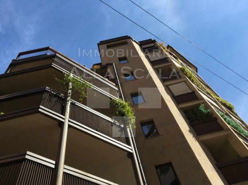 Bilocale Milano Via Anfiteatro 9