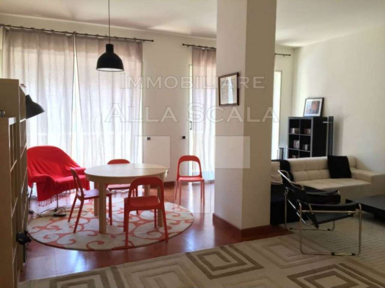 Appartamento in affitto a milano via cappuccini for Appartamento design affitto milano