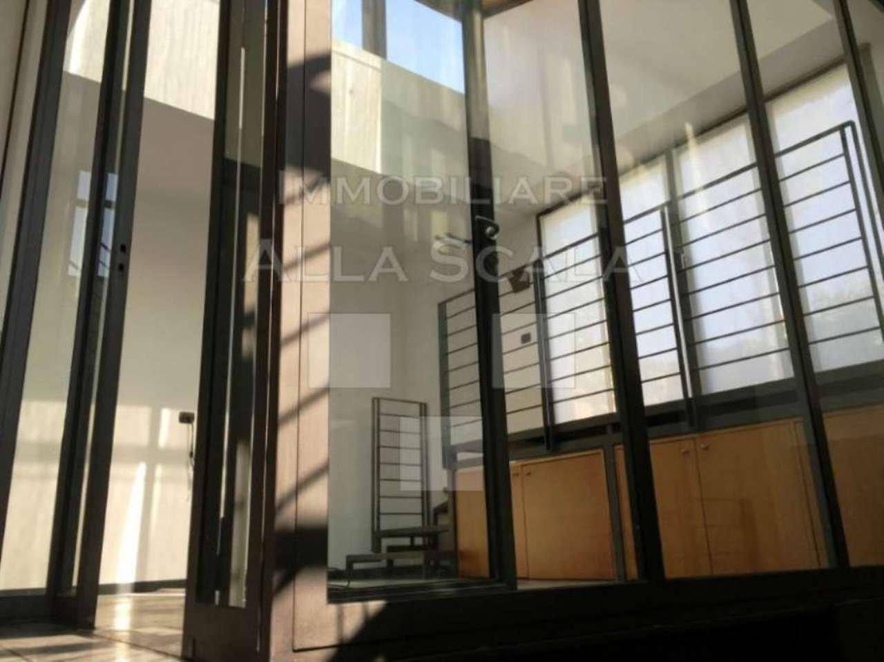 Ufficio / Studio in affitto a Milano, 5 locali, zona Zona: 10 . P.ta Genova, Romolo, Solari, Savona, Tortona, prezzo € 3.666 | CambioCasa.it