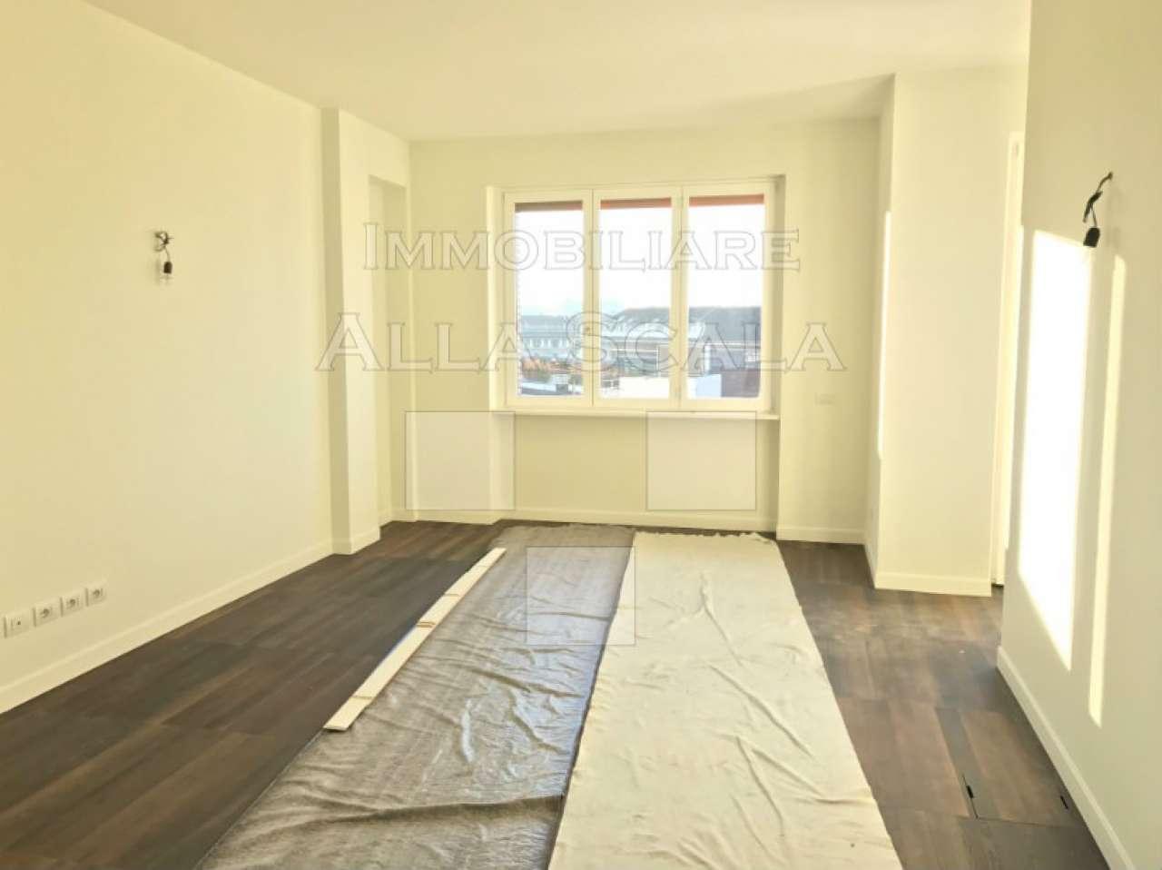 Appartamento in Affitto a Milano 01 Centro storico (Cerchia dei Navigli): 4 locali, 120 mq