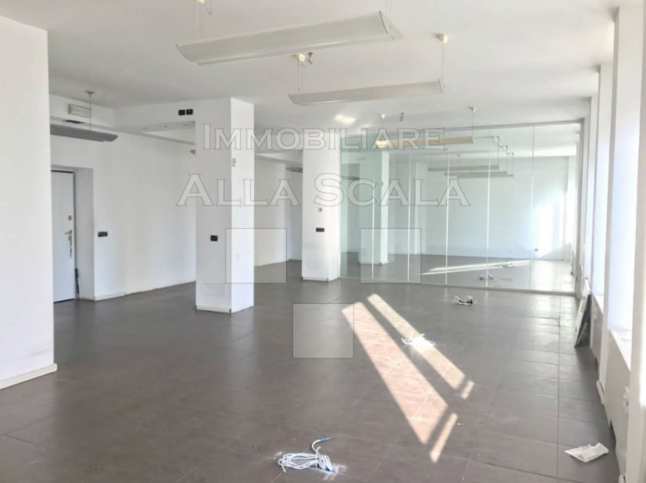 Ufficio-studio in Affitto a Milano 01 Centro storico (Cerchia dei Navigli): 5 locali, 170 mq