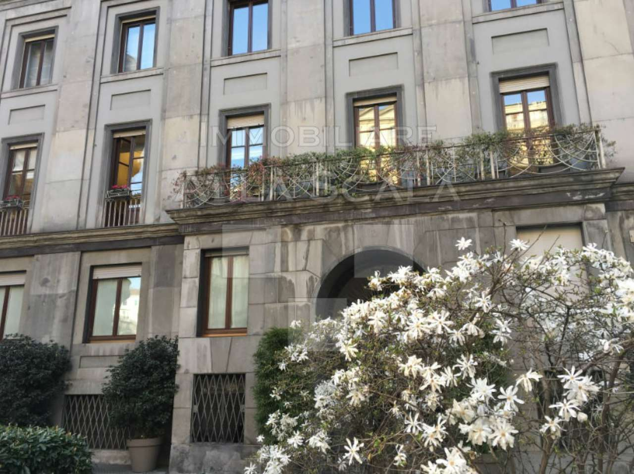 Appartamento in affitto a Milano, 5 locali, zona Zona: 1 . Centro Storico, Duomo, Brera, Cadorna, Cattolica, prezzo € 3.330 | Cambio Casa.it