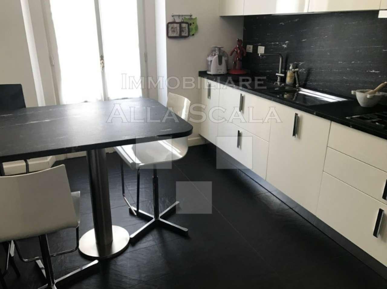 Appartamento in Vendita a Milano: 4 locali, 240 mq - Foto 3