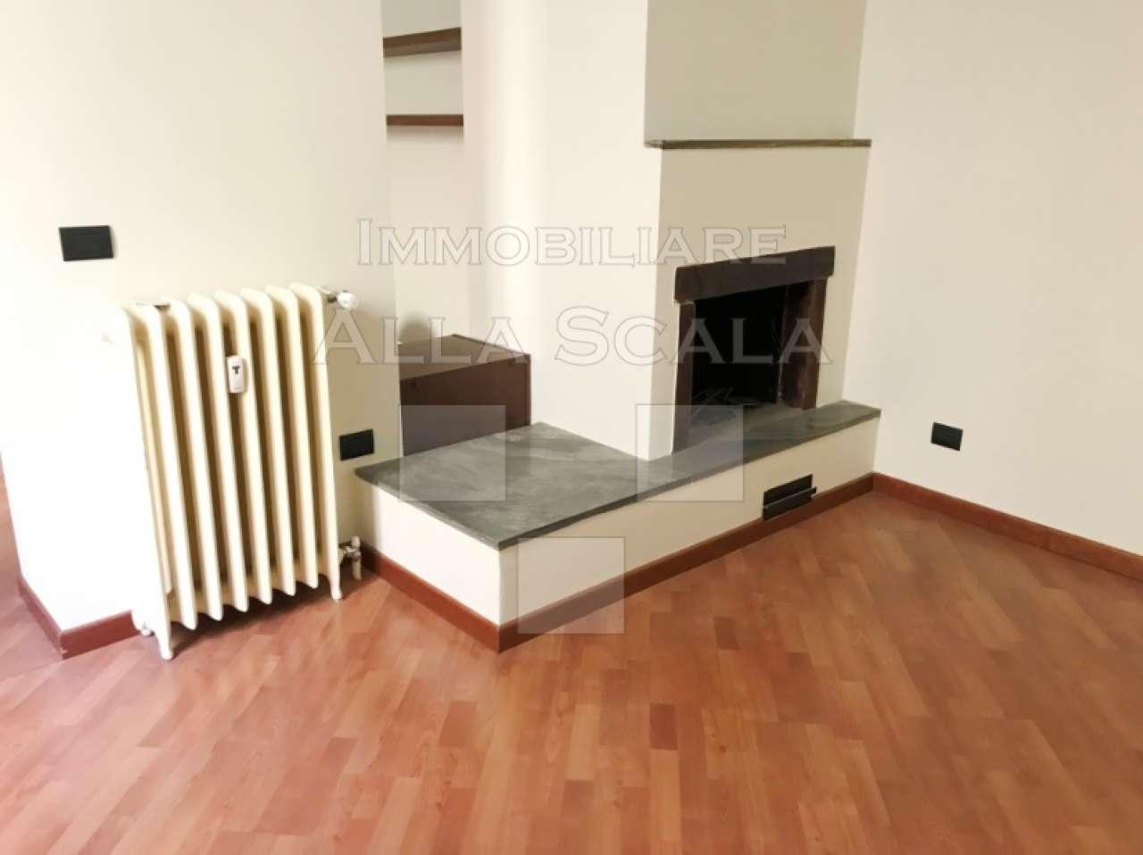 Appartamento in Affitto a Milano 01 Centro storico (Cerchia dei Navigli): 4 locali, 130 mq
