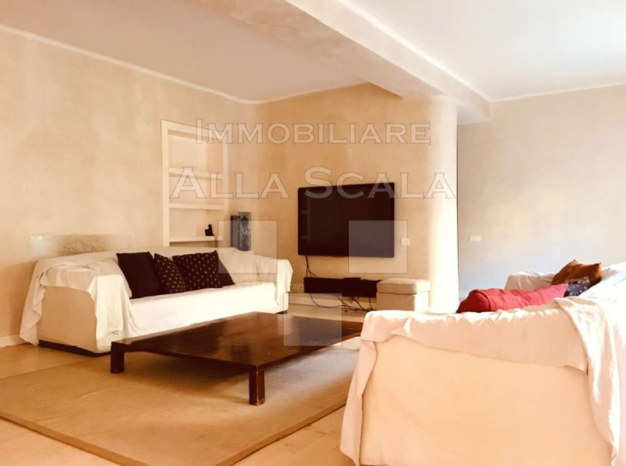 Appartamenti con camino in vendita a milano for Case in vendita milano centro