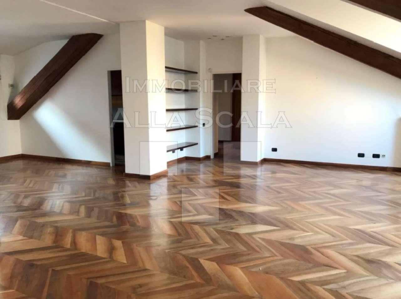 Attico in Affitto a Milano 01 Centro storico (Cerchia dei Navigli): 5 locali, 170 mq