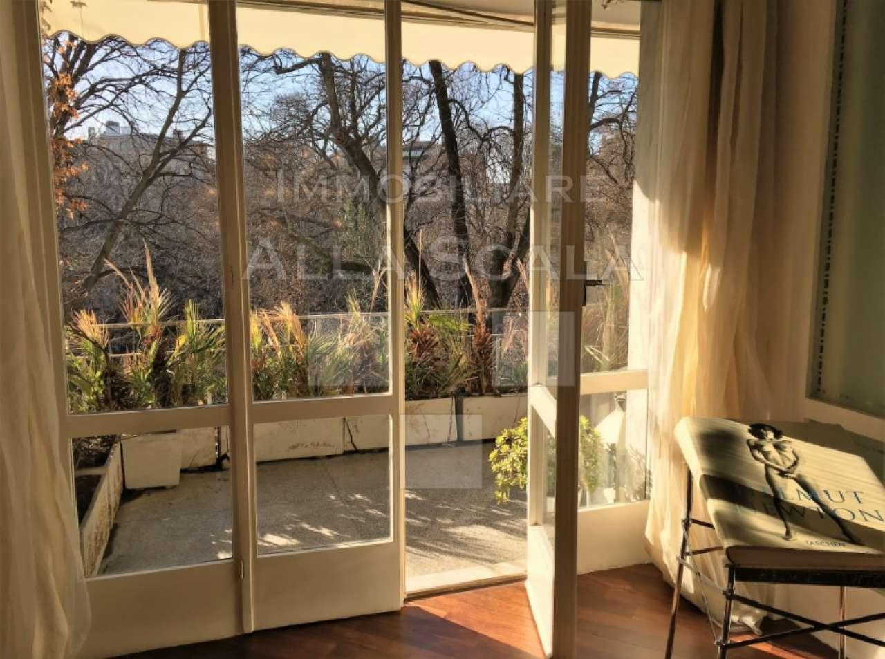 Appartamento in affitto a milano via dell 39 annunciata for Appartamento design affitto milano