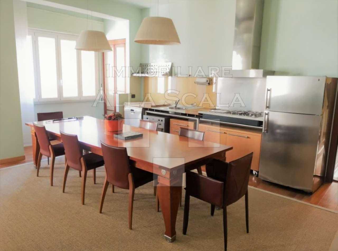 Appartamento in affitto a milano via sant 39 andrea for Appartamento design affitto milano