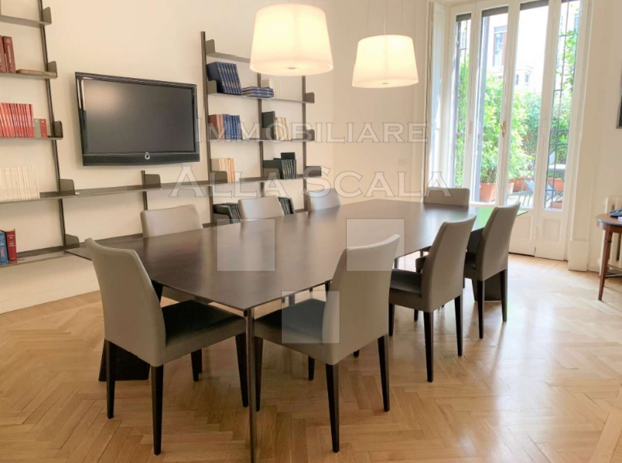 Ufficio-studio in Affitto a Milano 01 Centro storico (Cerchia dei Navigli): 5 locali, 235 mq