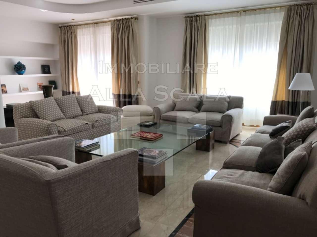 Appartamento in Affitto a Milano 01 Centro storico (Cerchia dei Navigli): 4 locali, 185 mq