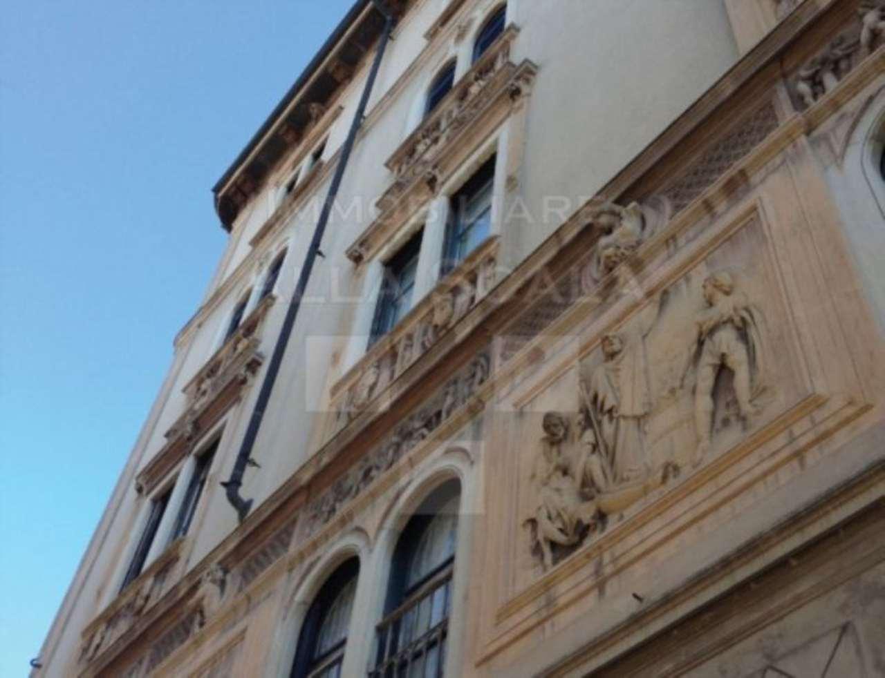 Appartamento in Vendita a Milano: 3 locali, 130 mq - Foto 2