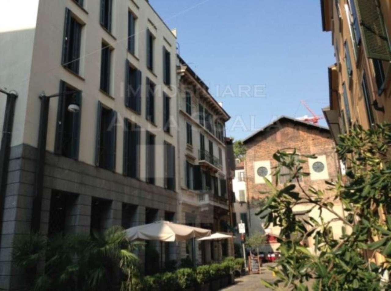 Bilocale Milano Via Marco Formentini 3