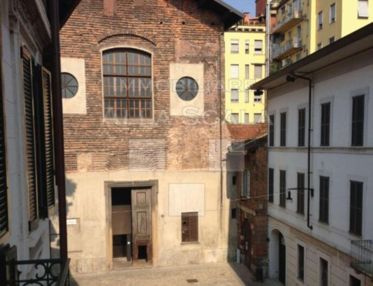 Bilocale Milano Via Marco Formentini 7