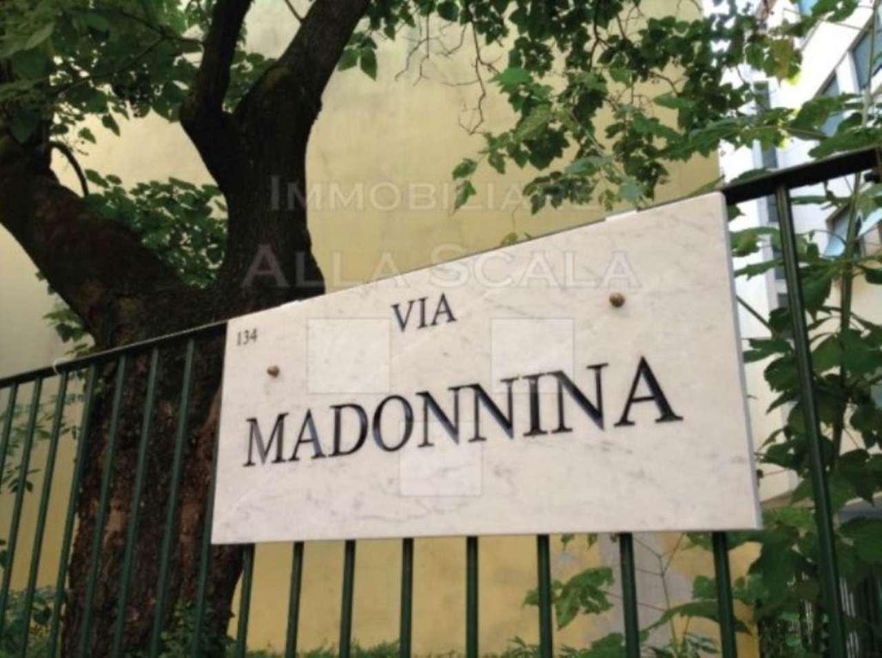 Bilocale Milano Via Marco Formentini 9