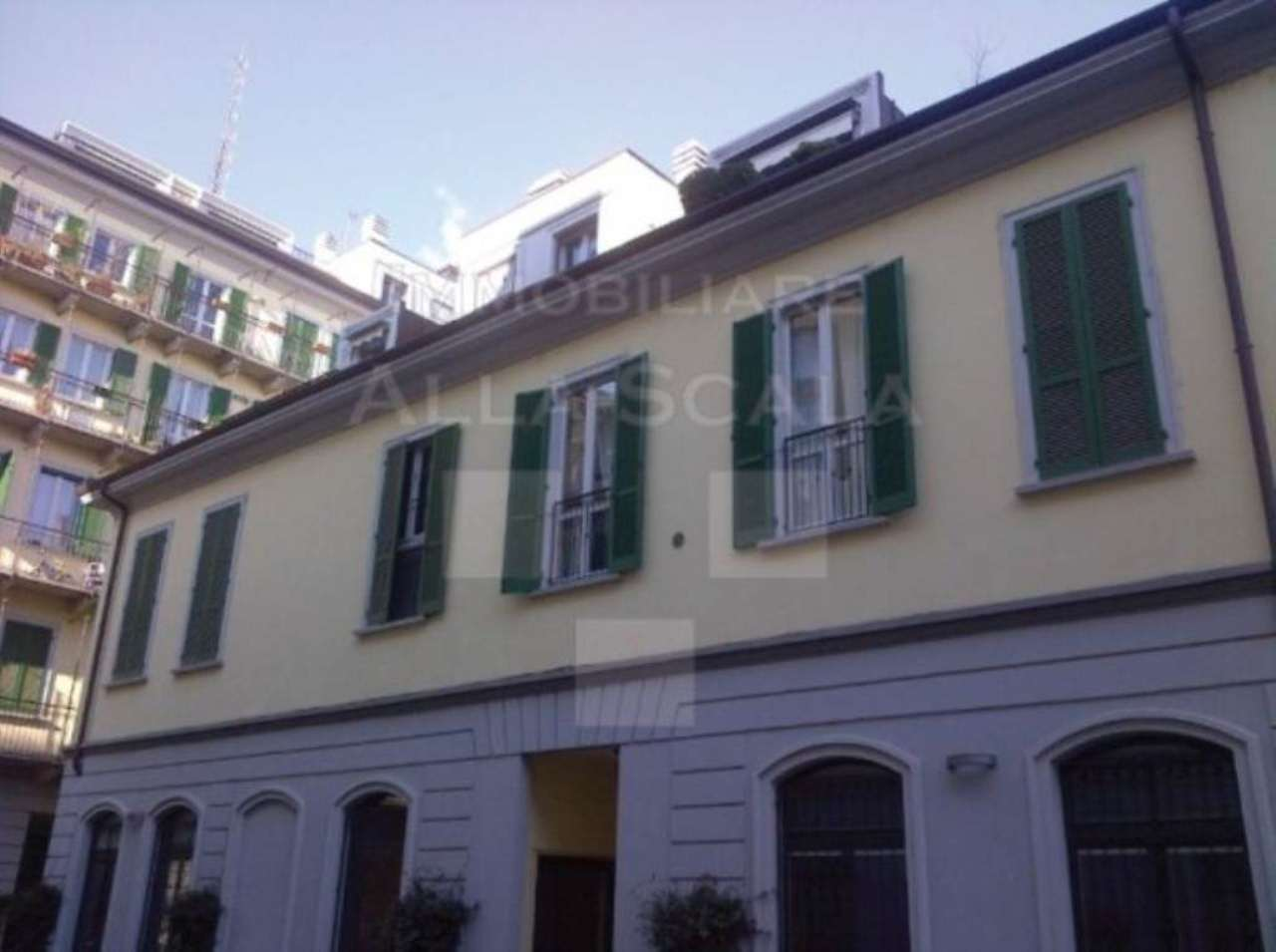 Loft open space in Vendita a Milano via casale