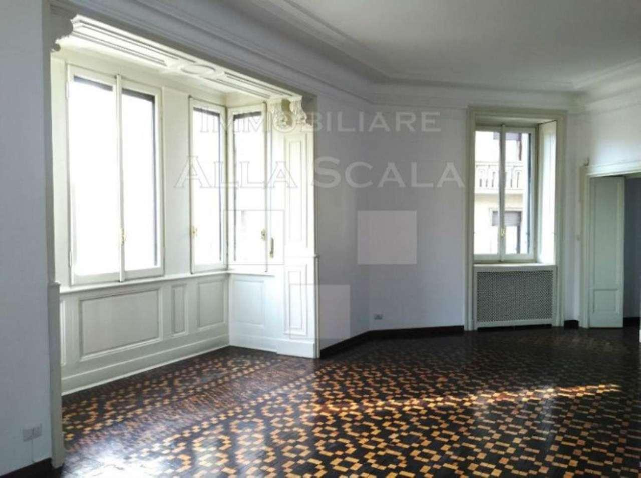 Appartamento in Affitto a Milano 01 Centro storico (Cerchia dei Navigli): 5 locali, 300 mq