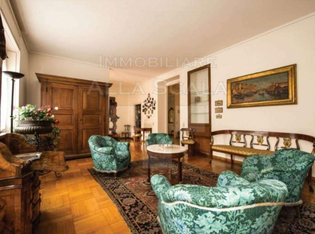 Appartamento in Vendita a Milano: 5 locali, 245 mq - Foto 2