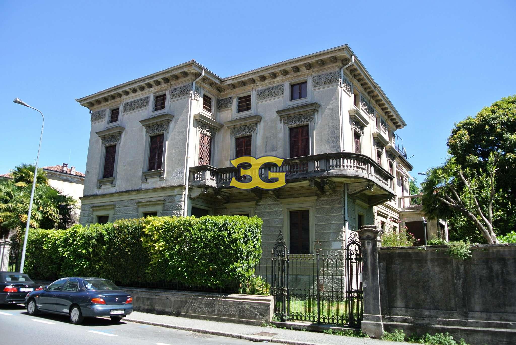 Villa in vendita a Verbania, 18 locali, prezzo € 640.000 | CambioCasa.it