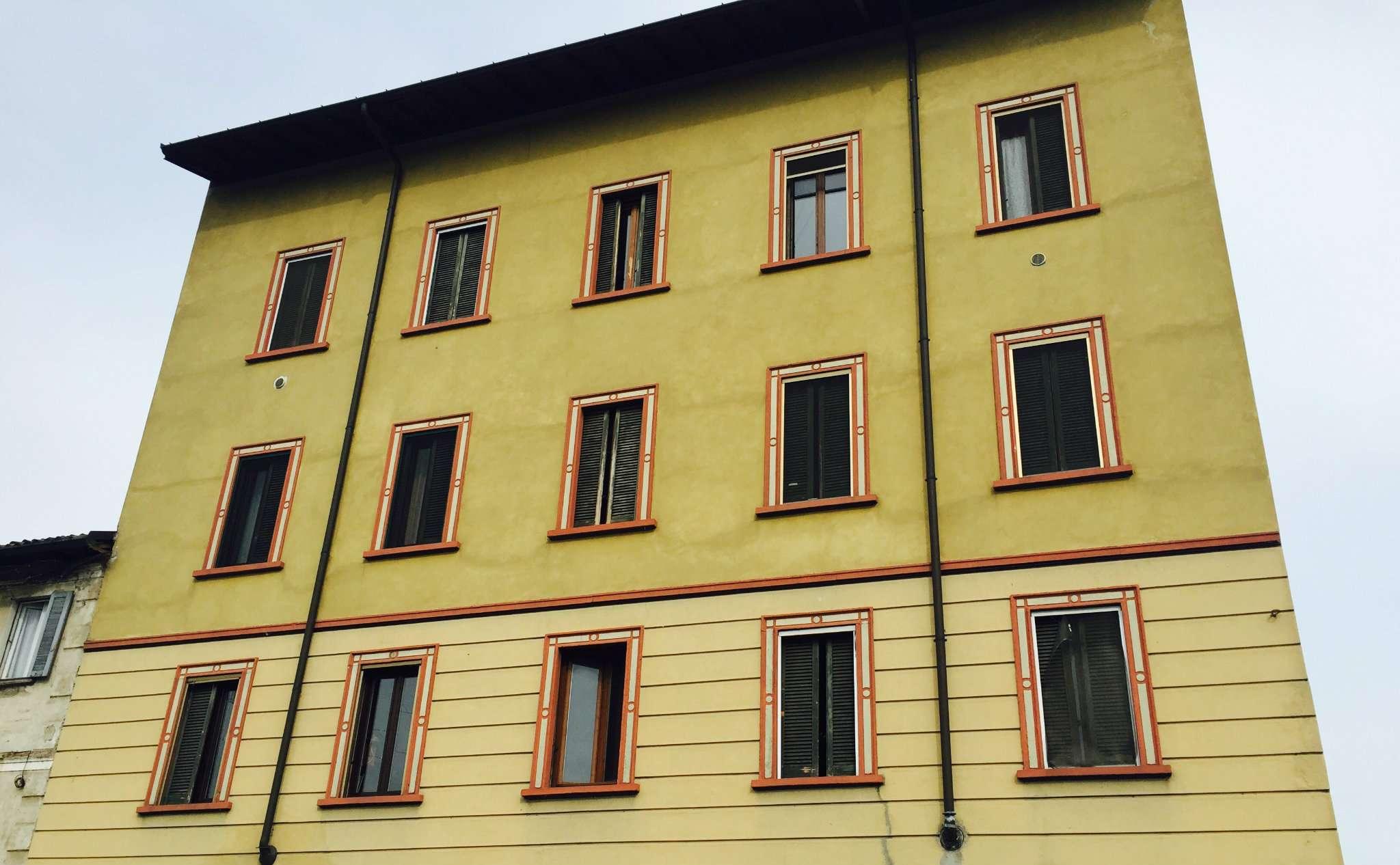 Bilocale Milano Via Della Chiesa Rossa 1