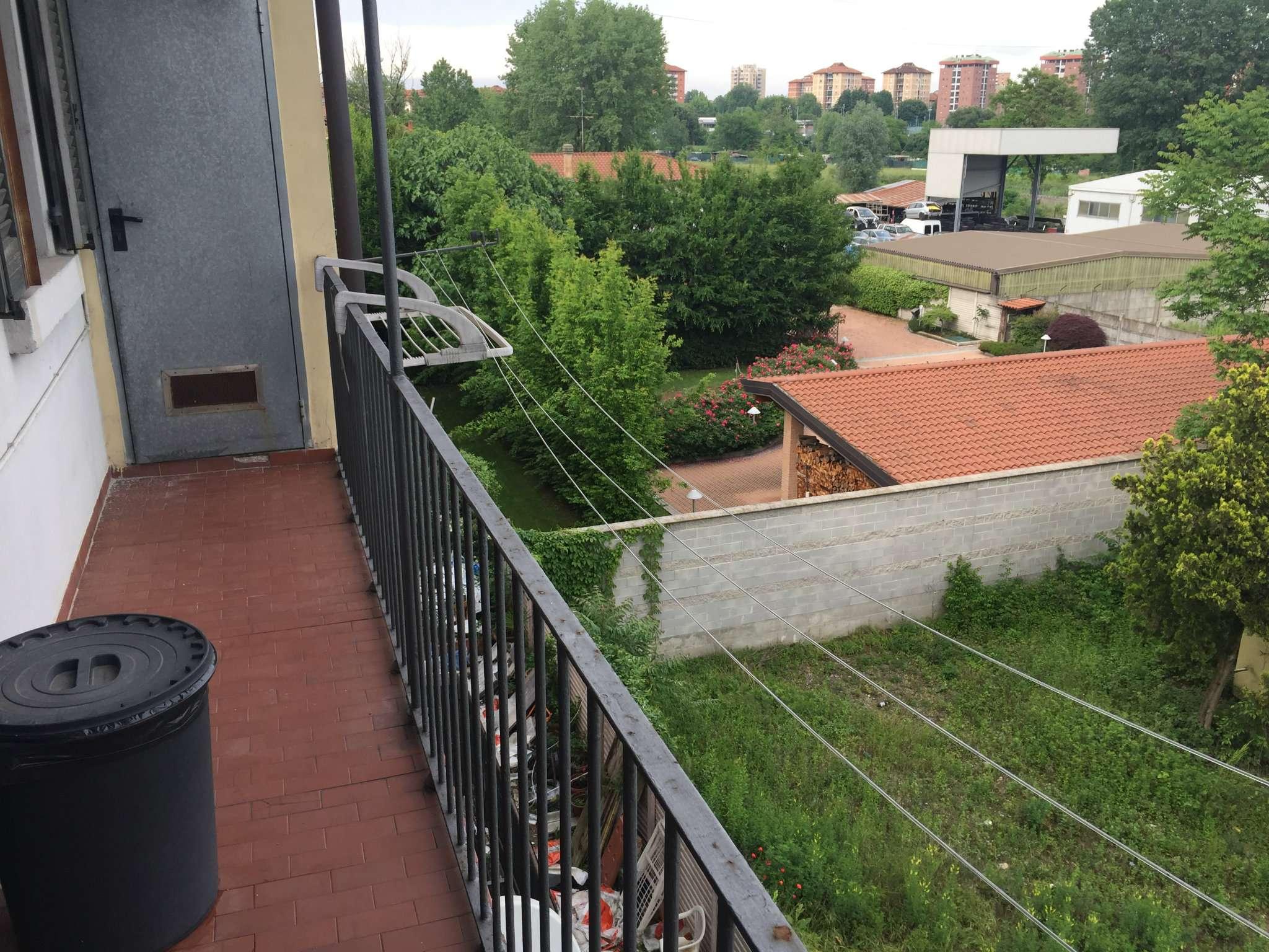 Bilocale Milano Via Della Chiesa Rossa 11