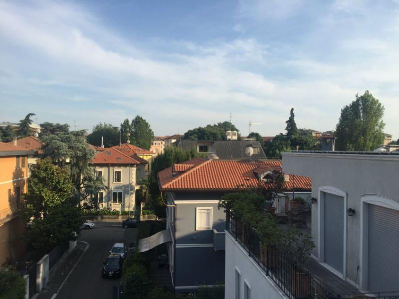 Bilocale Milano Via Castelbarco 1