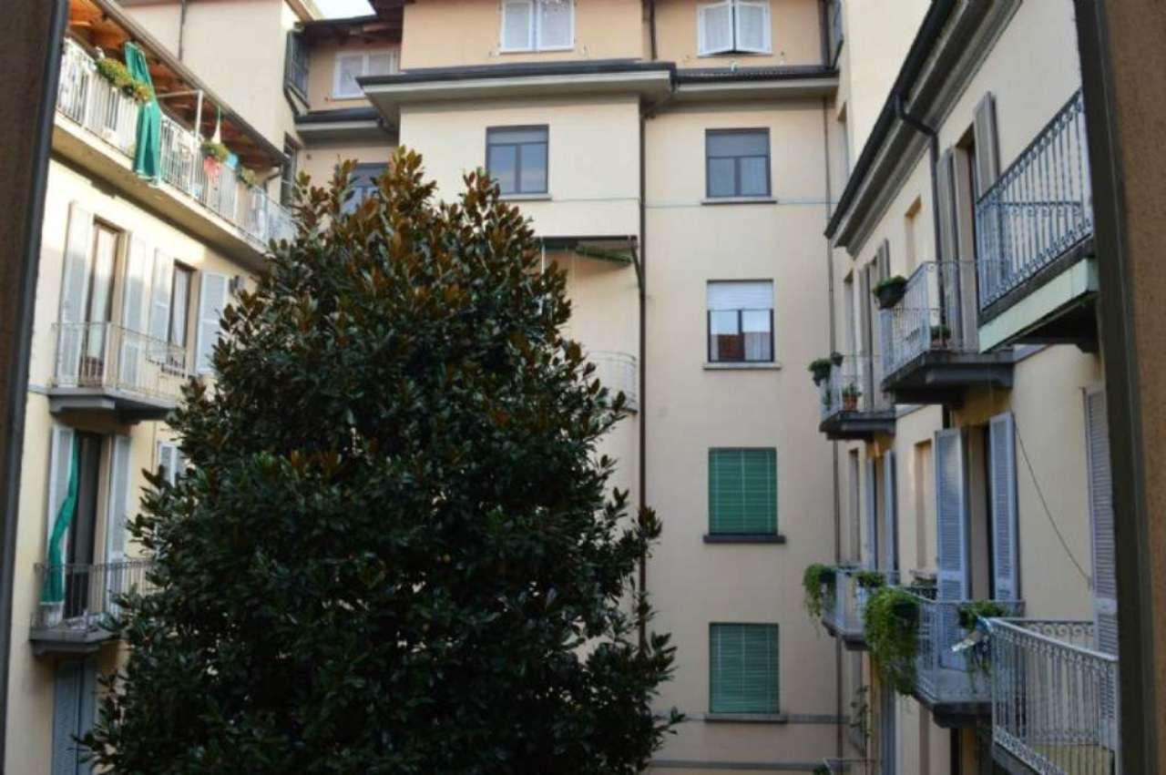 Bilocale Milano Via Vallarsa 1