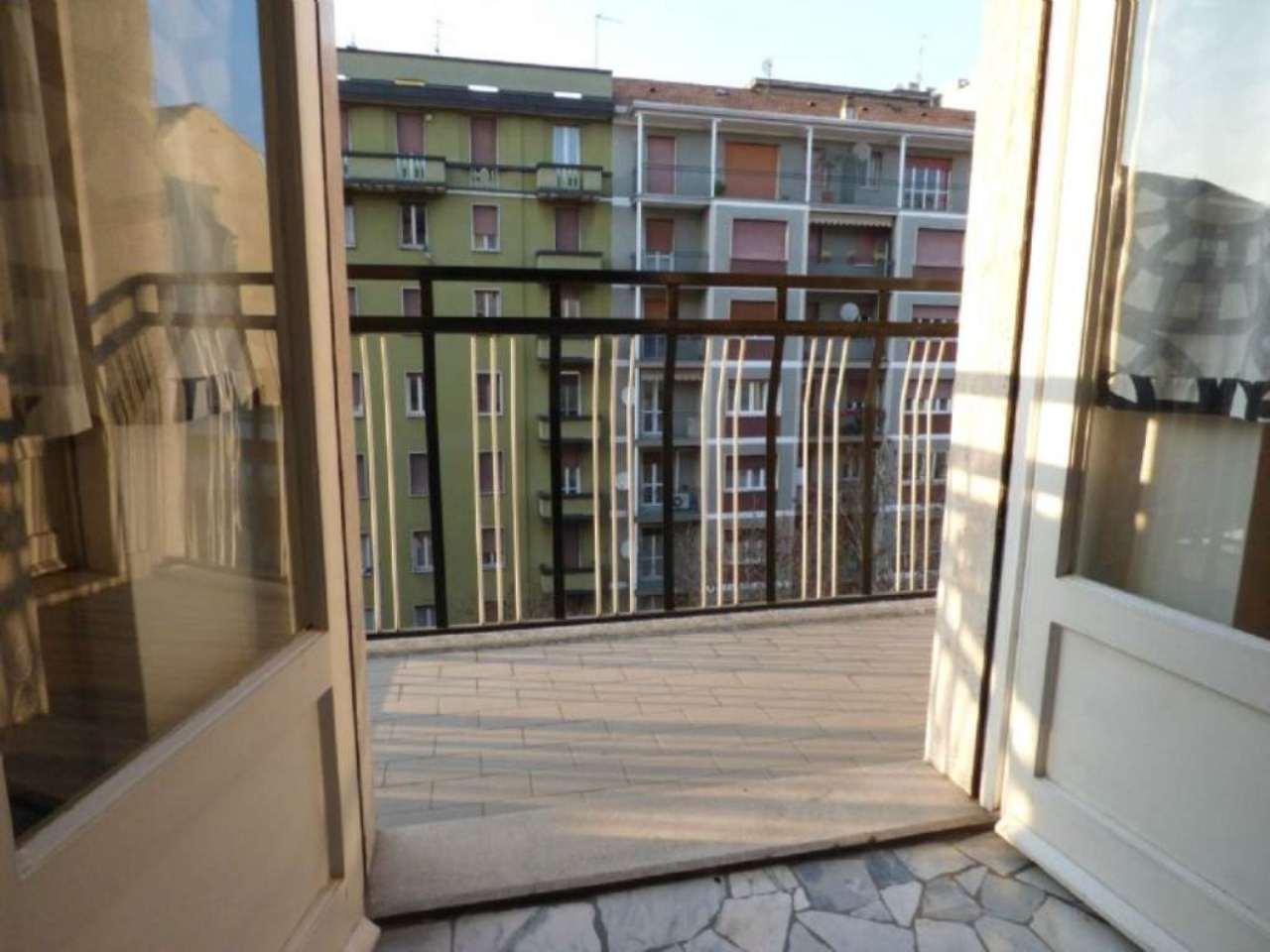Bilocale Milano Via Lorenteggio 13