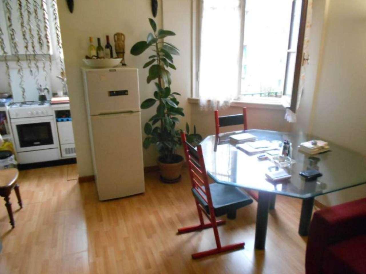 Bilocale Milano Via Costanza 2
