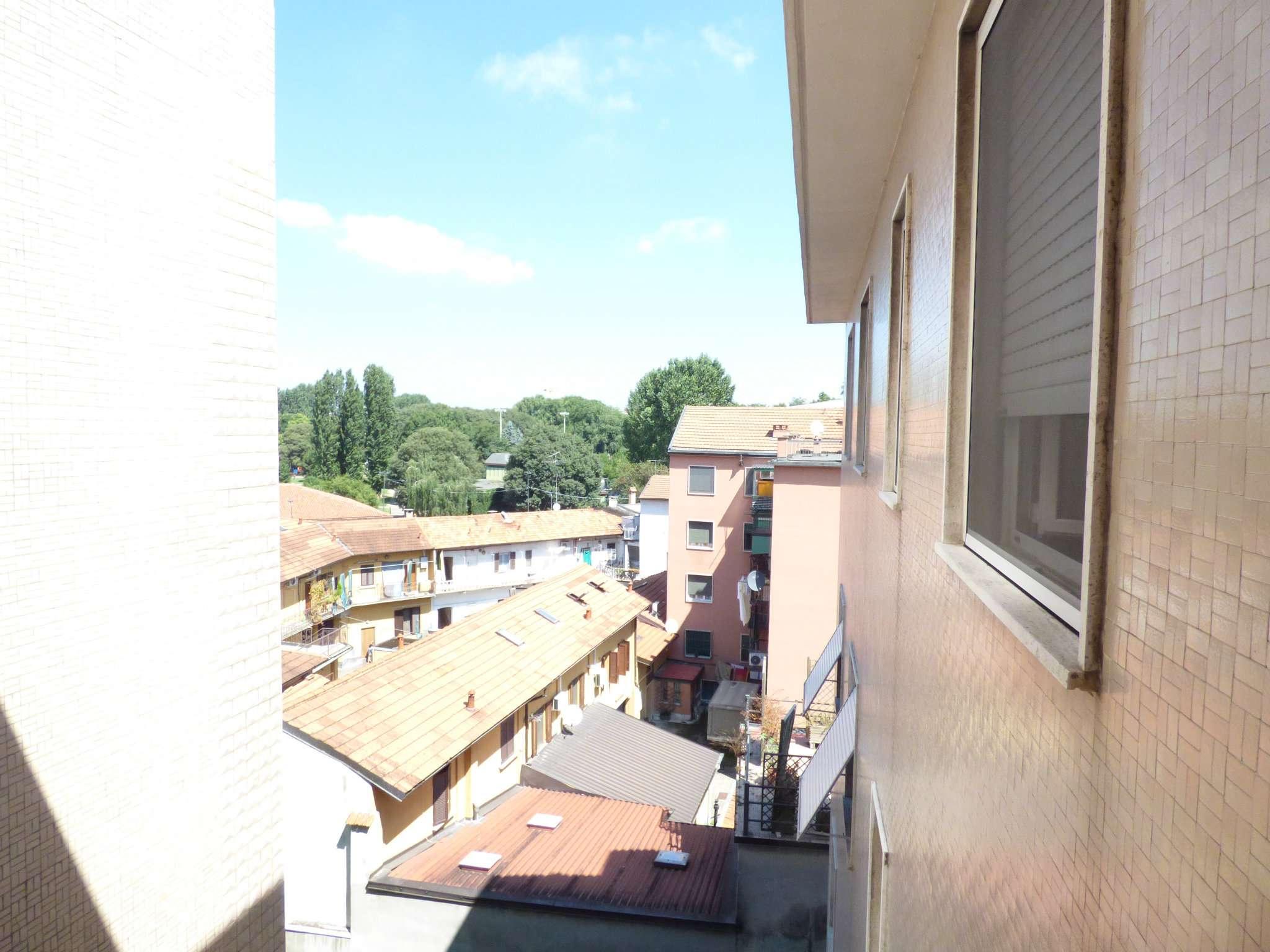 Bilocale Milano Via Dalmine 7