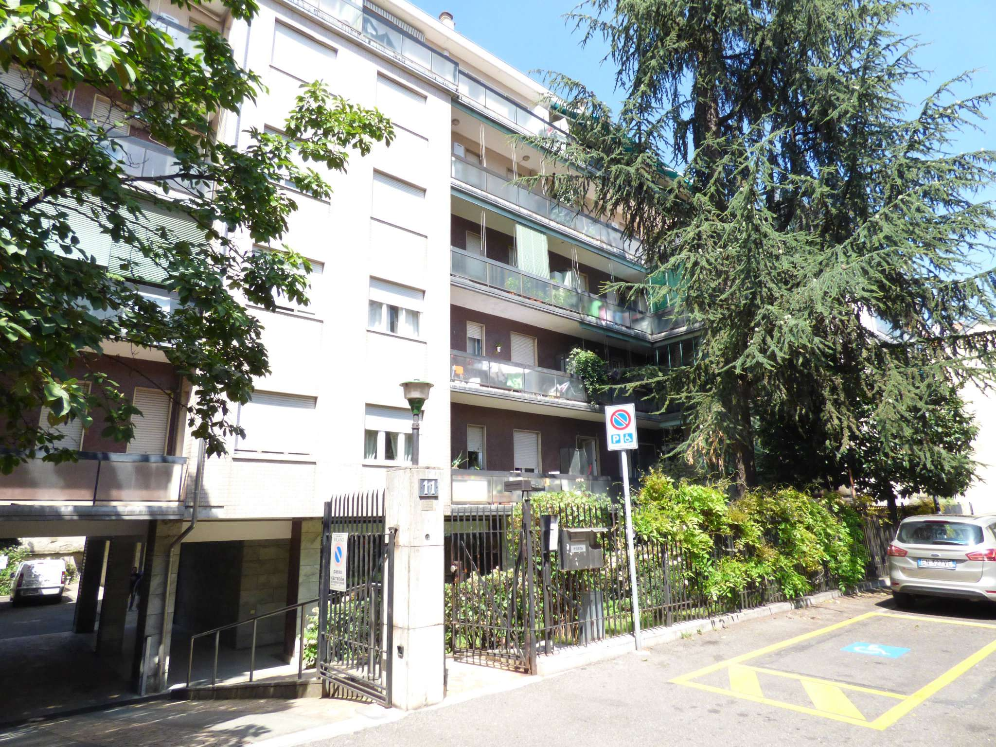 Bilocale Milano Via Dalmine 12