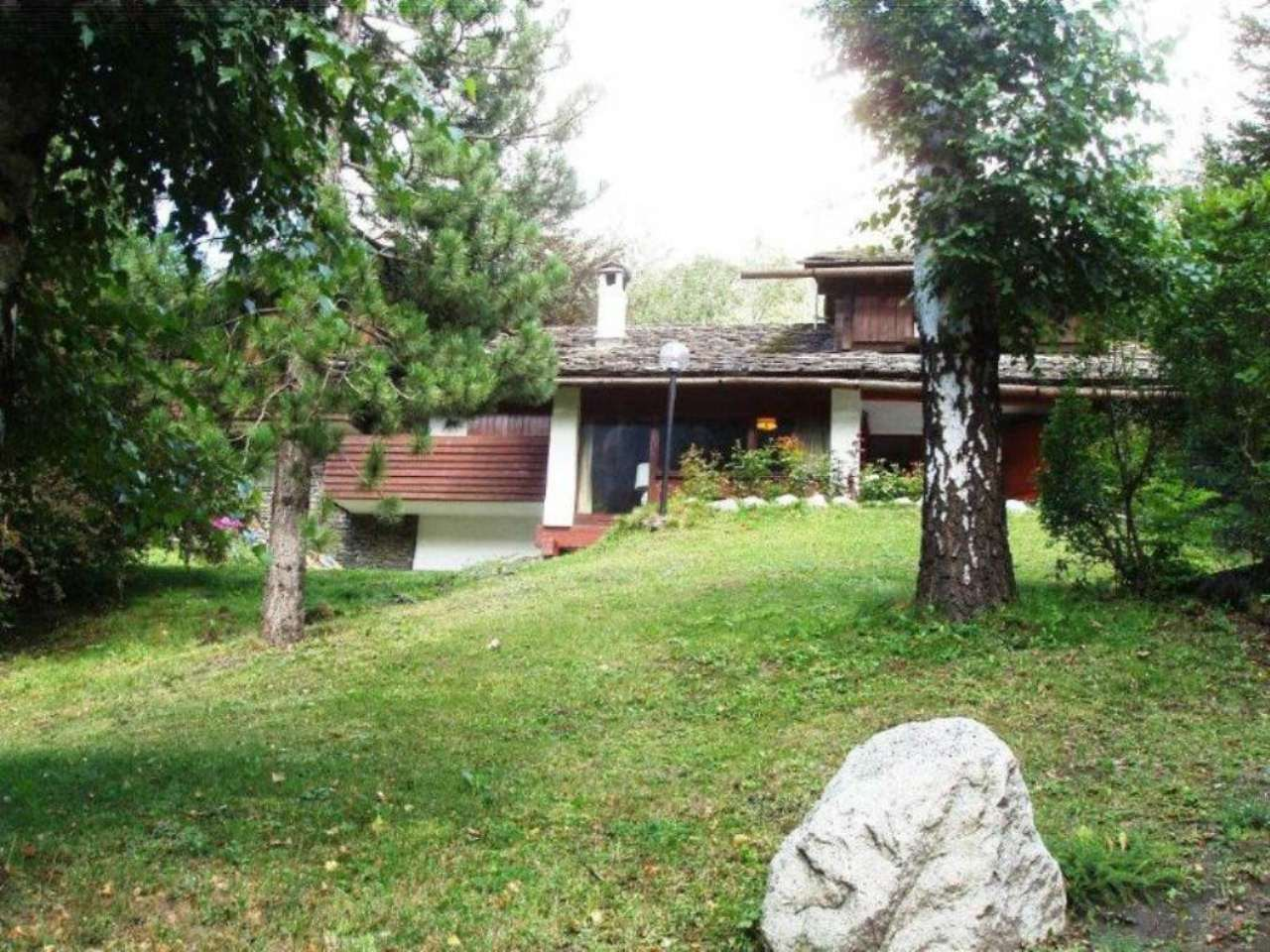 Villa in Vendita a Courmayeur via delle volpi