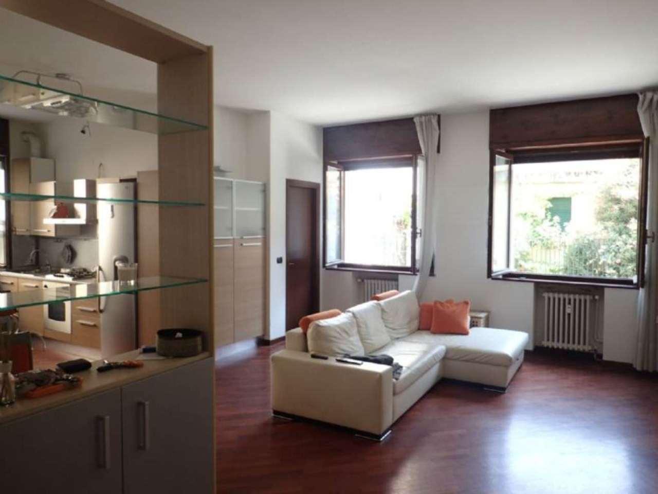 Bilocale Milano Via Sanremo 2