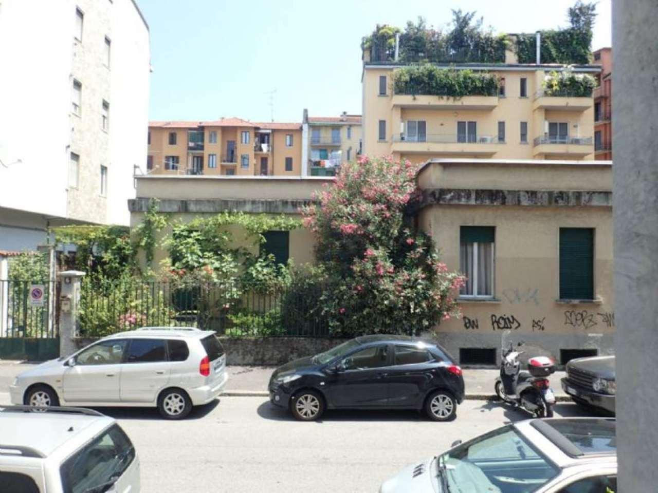 Bilocale Milano Via Sanremo 12