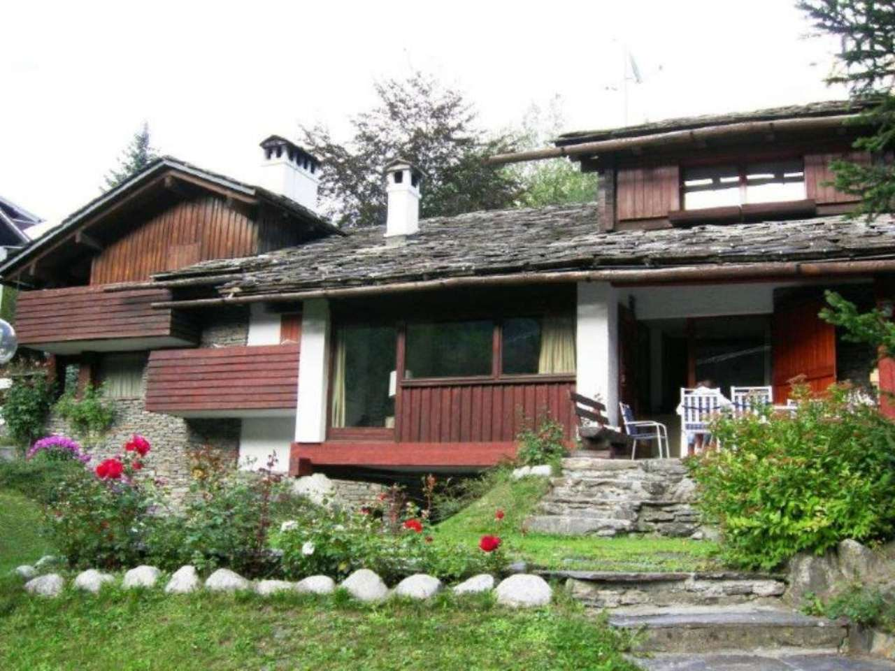 Villa in Vendita a Courmayeur strada delle volpi