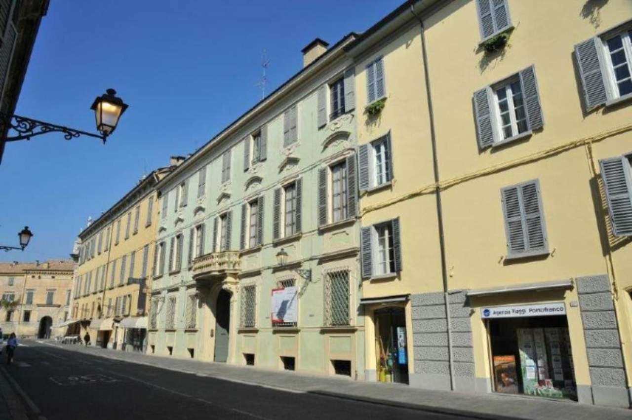 Palazzo in Vendita a Reggio Emilia Centro: 5 locali, 1400 mq