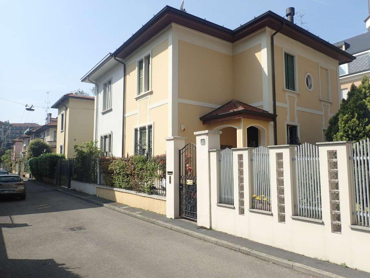 Villa in Vendita a Milano 08 Vercelli / Magenta / Cadorna / Washington: 5 locali, 240 mq