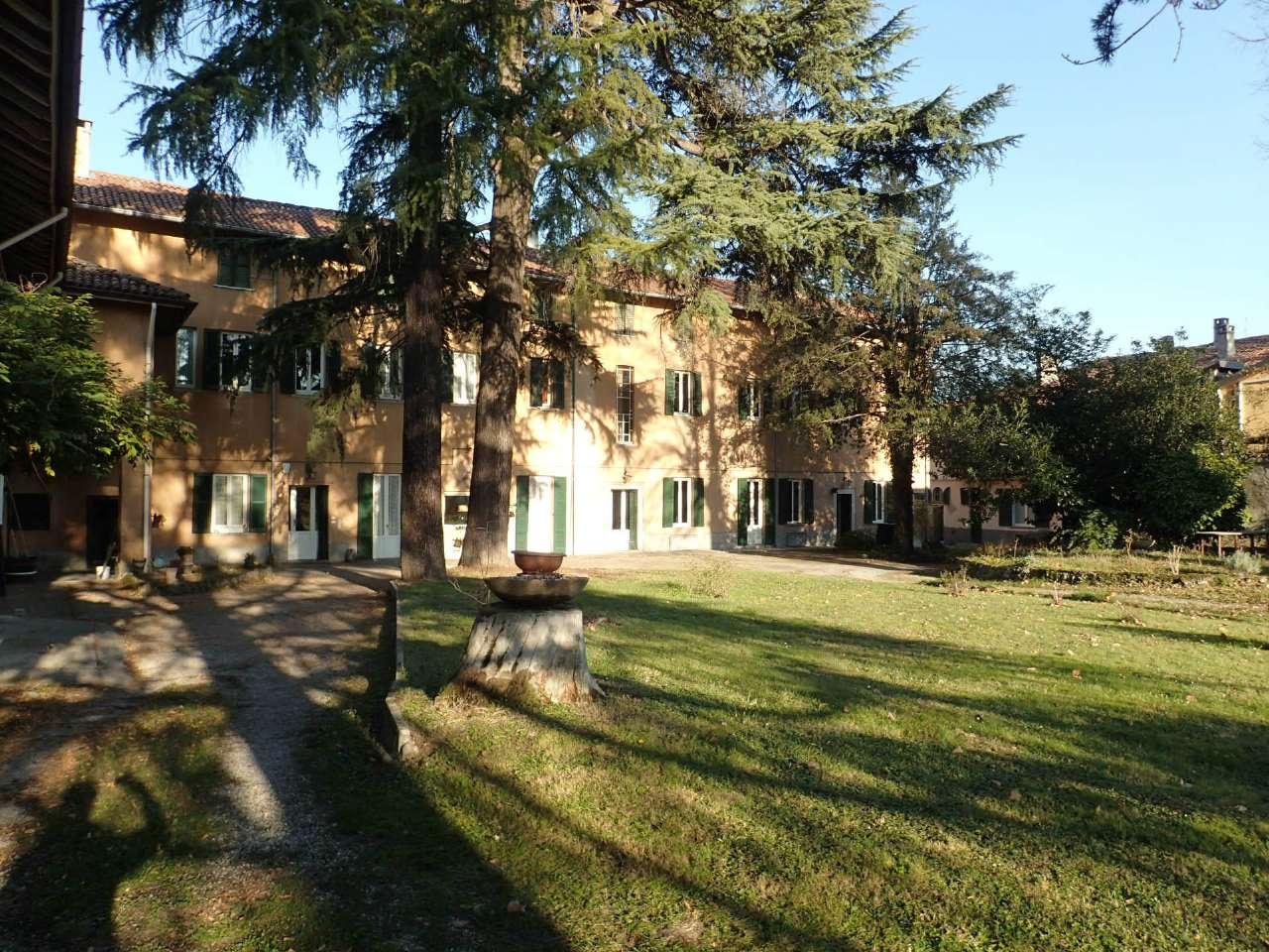 Villa in Vendita a Cabiate: 5 locali, 800 mq