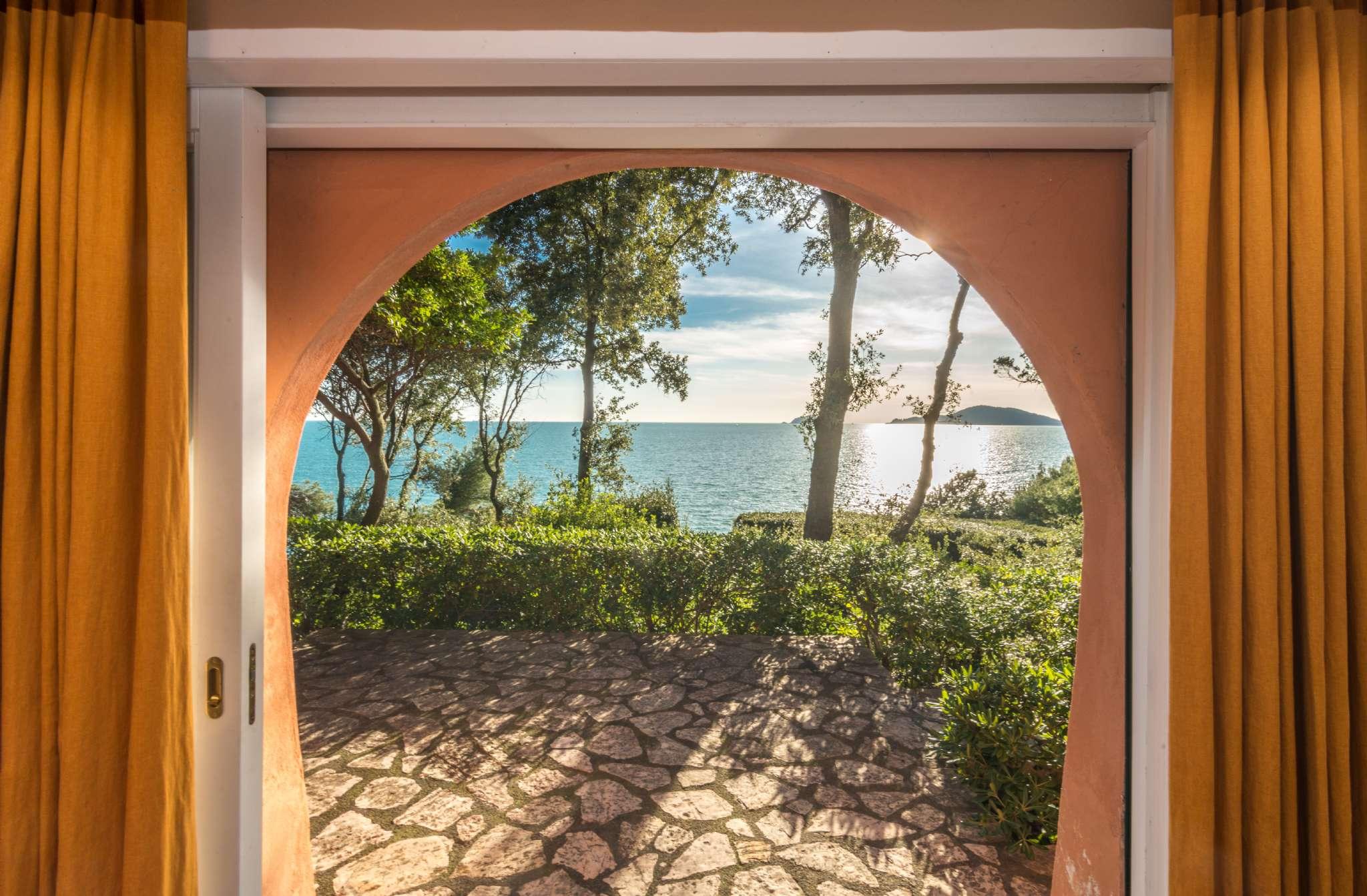 Villa in Vendita a Lerici: 5 locali, 340 mq - Foto 1