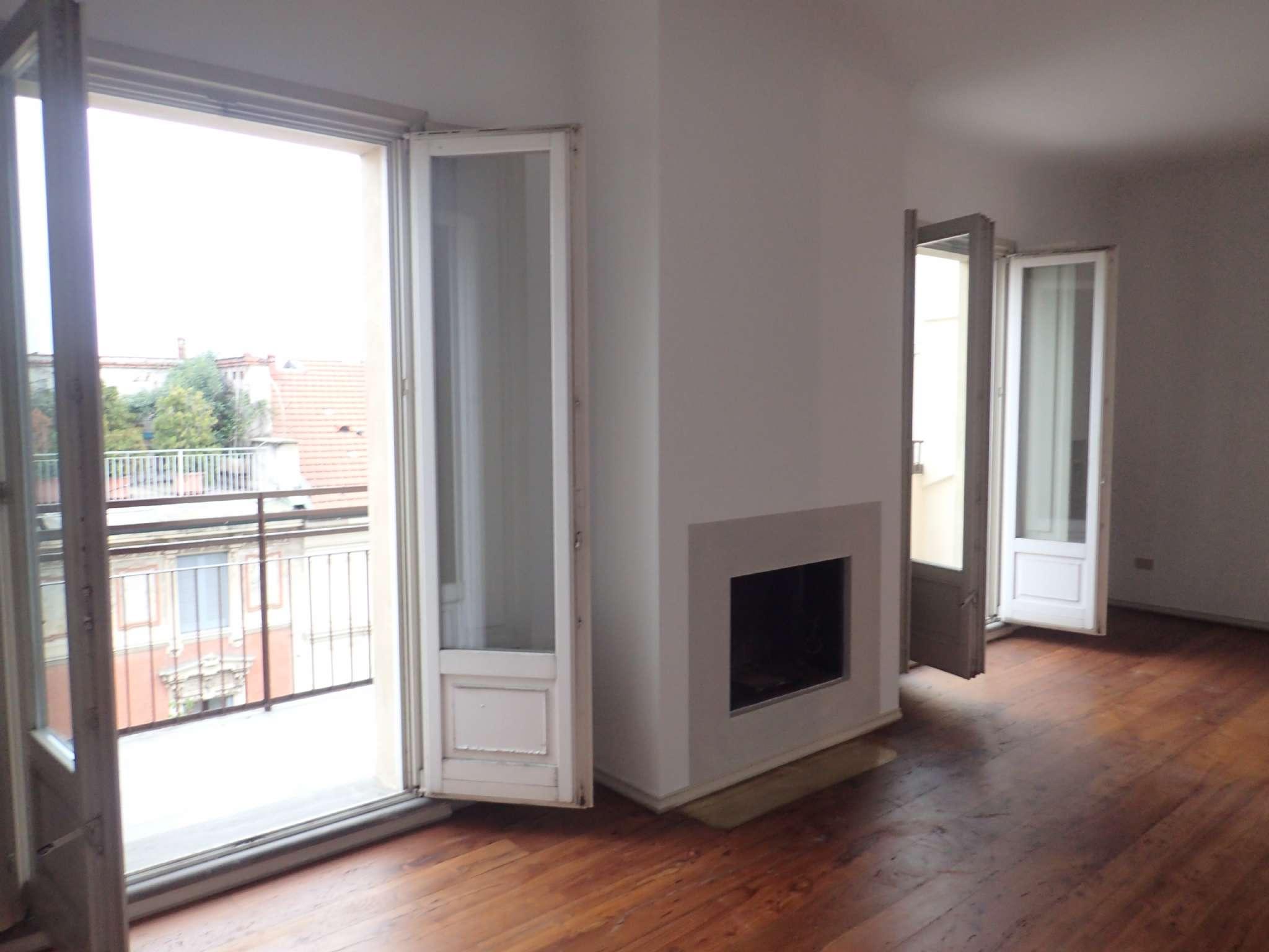 Appartamento in affitto a milano via leopardi trovocasa for Appartamento design affitto milano