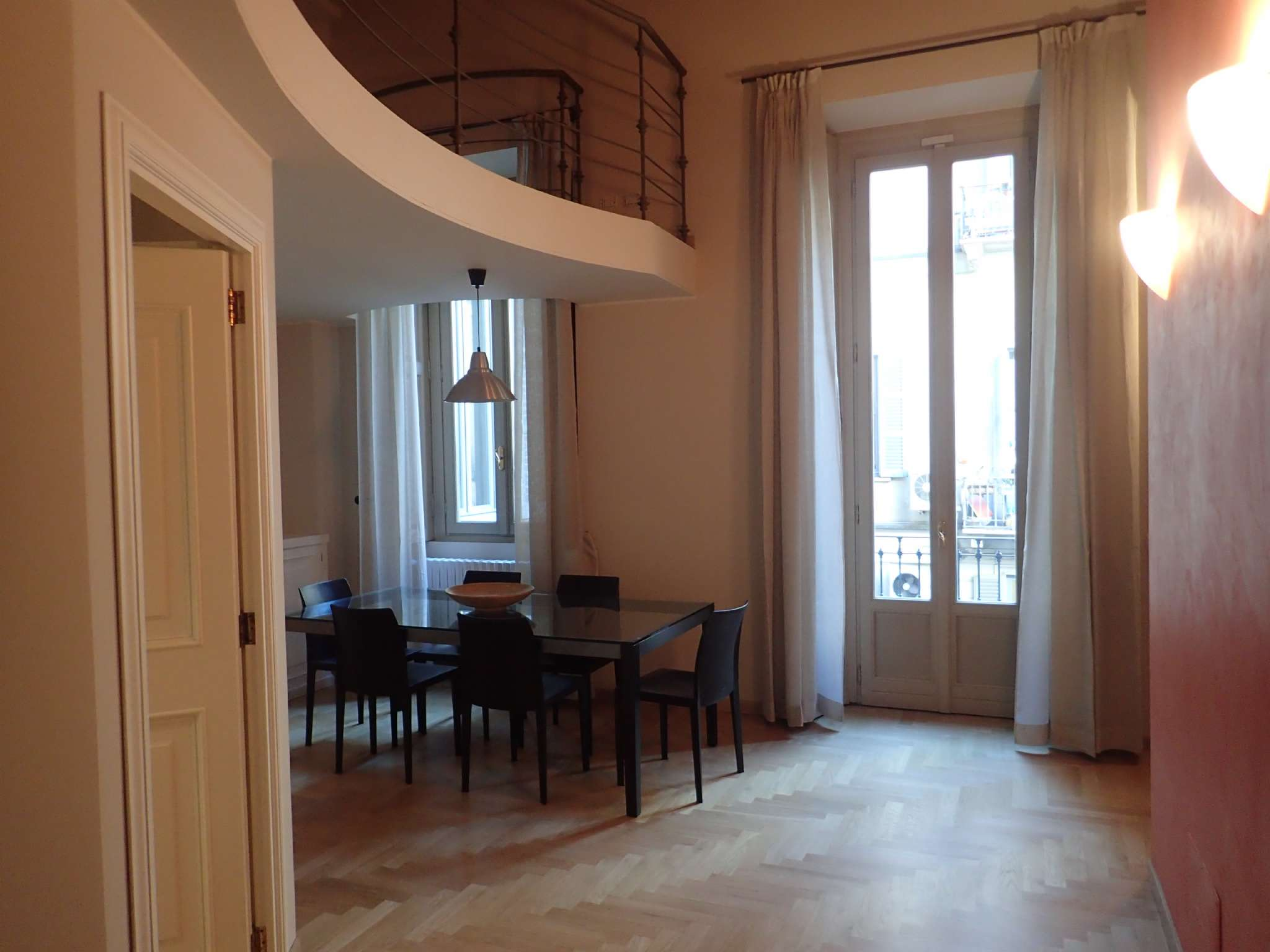 Appartamento in affitto a milano foro buonaparte for Appartamento design affitto milano