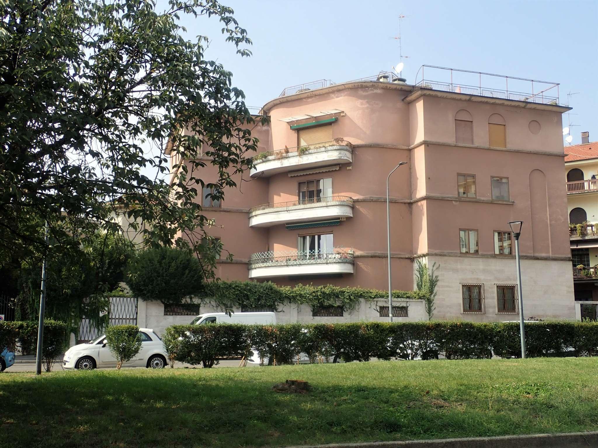 Palazzo in Vendita a Milano 08 Vercelli / Magenta / Cadorna / Washington: 5 locali, 1400 mq