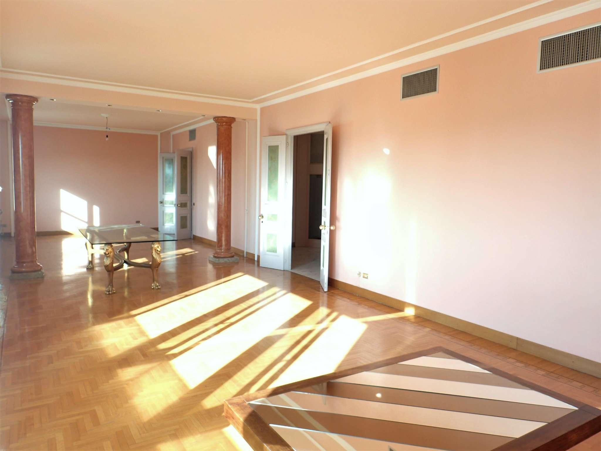 Appartamento in Vendita a Milano 02 Brera / Volta / Repubblica: 5 locali, 340 mq